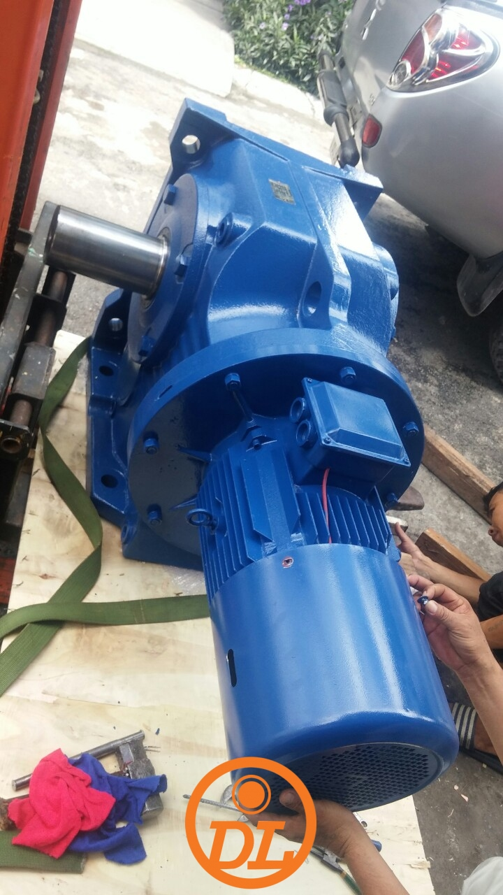 Horizontal light duty geared motor dimension